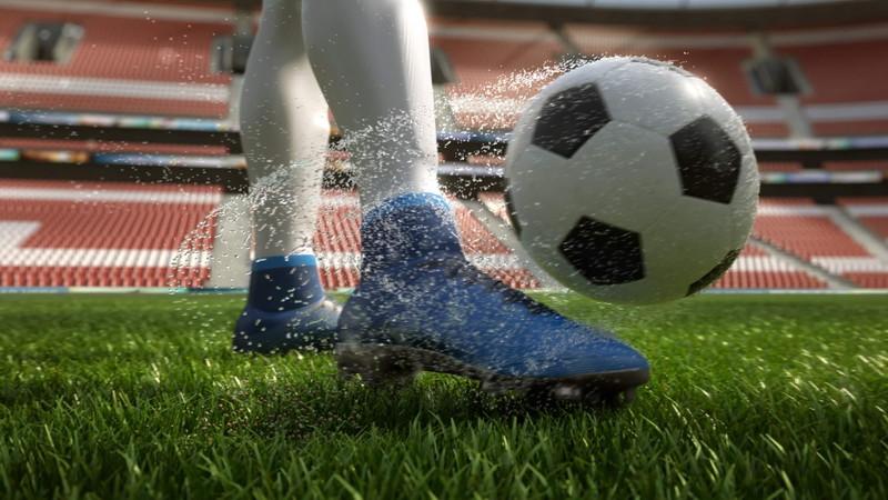足元のサッカーボール